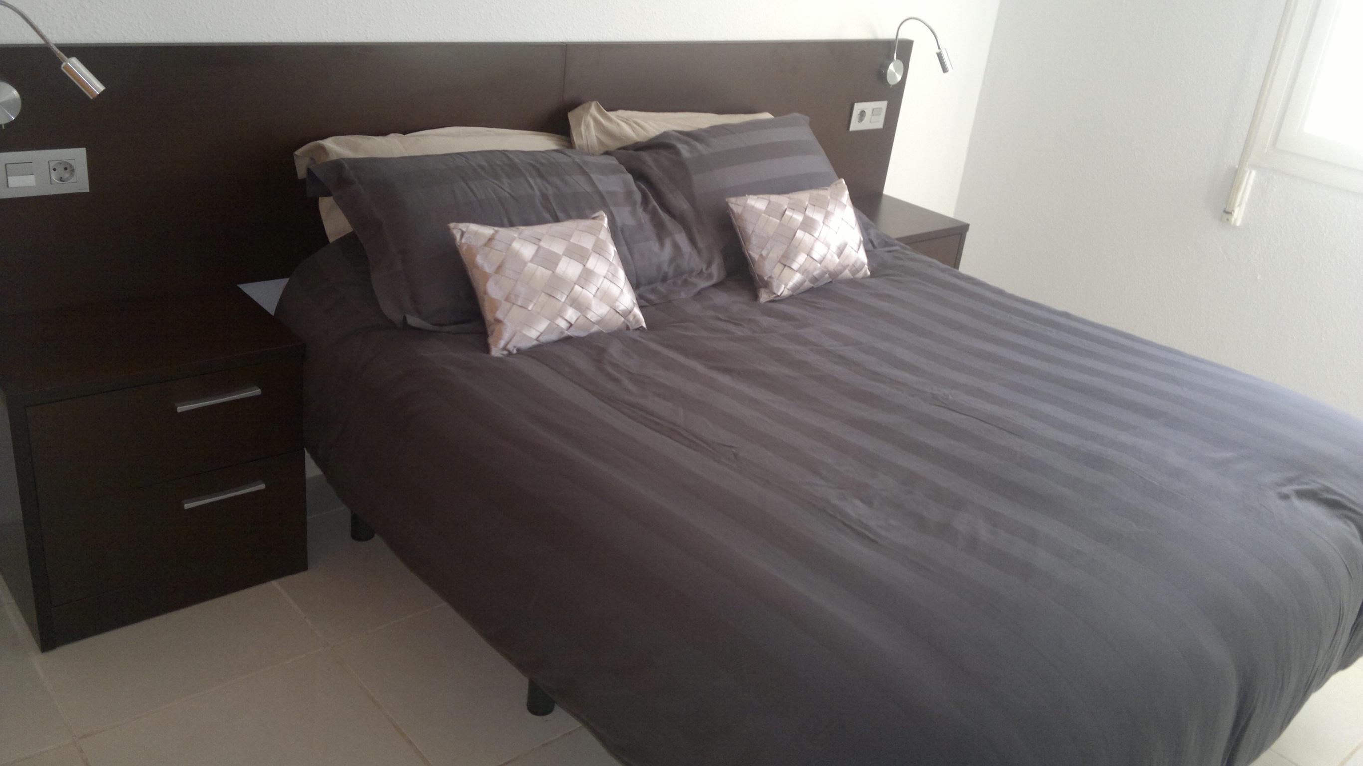 For Sale Dfs Spain Twin Bedroom Furniture Set Twin