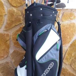 For sale: Ex pro's set of golf clubs - €165