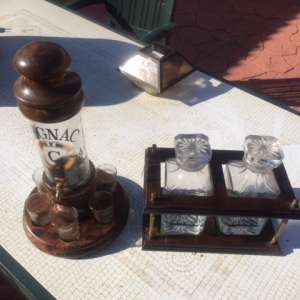 For sale: Set of decanters (1 antique) both sets as pictured - €40