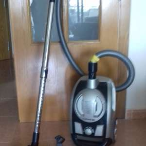 For sale: Vacuum cleaner - €35